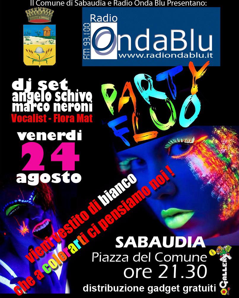 """Il centro di Sabaudia si illumina con il """"Party Fluo"""" di Radio Onda Blu"""