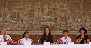 Angelina Jolie in Cambogia: prima apparizione pubblica per l'attrice dopo il divorzio