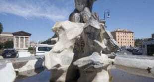fontana-dei-Tritoni