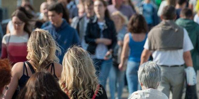Sondaggio Eurobarometro: gli europei chiedono un maggiore intervento dell'UE su molti fronti