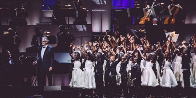 Andrea Bocelli porta a New York il coro di Haiti