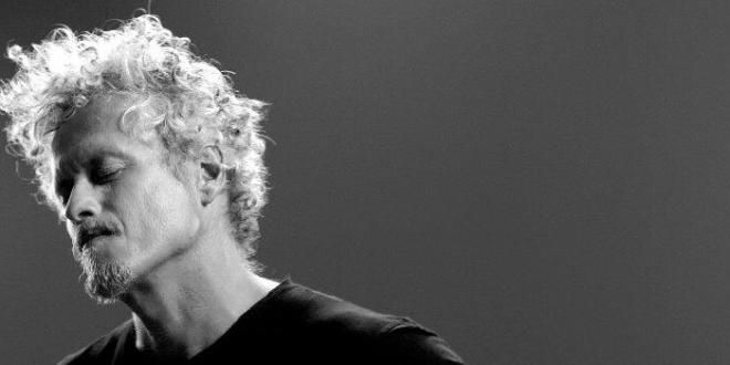 """Niccolò Fabi ,sarà protagonista sui palchi dei principali teatri italiani per presentare i brani del suo nuovo album """"Tradizione e Tradimento"""""""