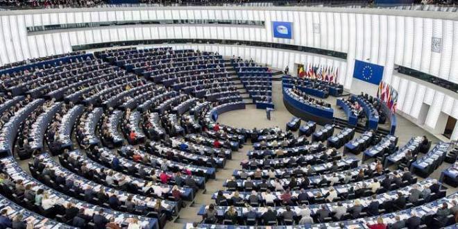 Parlamento: l'UE deve affrontare il problema dell'inquinamento farmaceutico